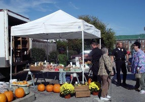 Police Officers visiting the Farmers Market